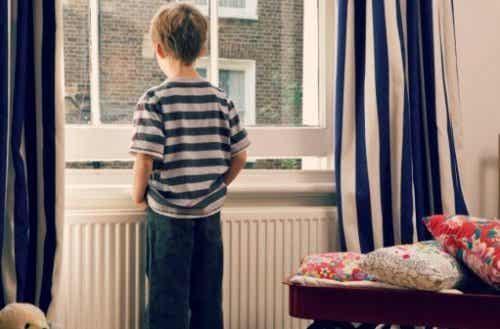 Quelques mythes sur les enfants introvertis