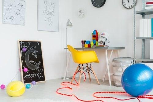 4 idées pour organiser la salle de jeux des enfants