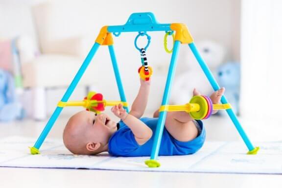 Exercices de stimulation précoce pour les enfants