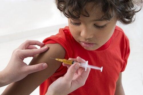 Vacciner les enfants : pour ou contre ?