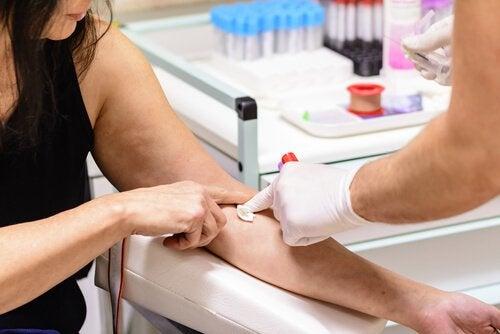 Le test de tolérance au glucose est un examen fondamental pour déterminer si une personne est atteinte de diabète de type 2.