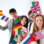 Des adolescents qui apprennent les langues