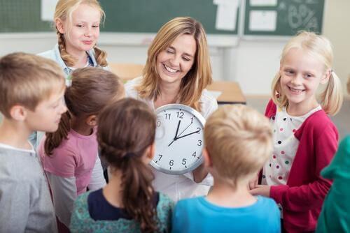 Changement d'heure : quel effet sur les enfants ?