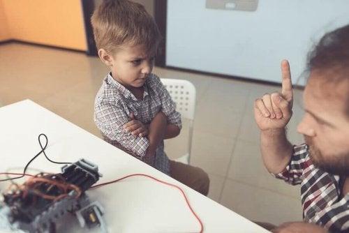Que dois-je faire si mon enfant est expulsé de l'école ?