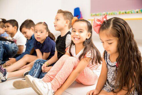 Un environnement qui fait usage du sens de l'humour dans l'éducation, accélère et renforce l'enseignement et l'apprentissage.