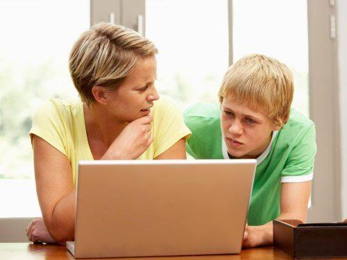 Les résultats scolaires peuvent être un vrai casse-tête et l'un des premiers défis à relever en tant que parents.