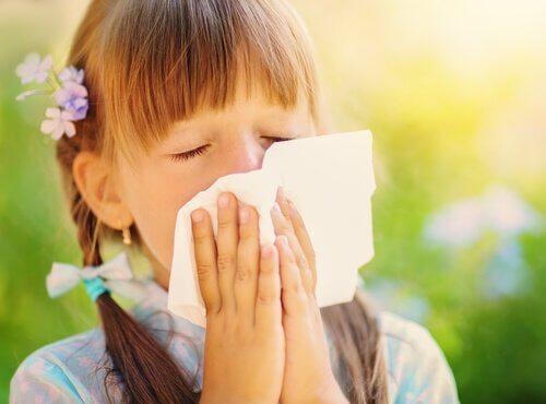 Comment savoir si un enfant est allergique à la poussière ?