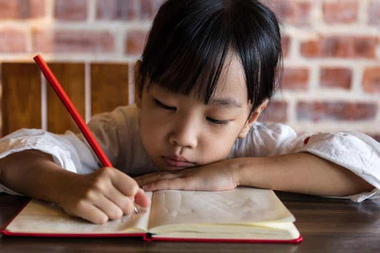 Les devoirs scolaires pendant l'été : pour ou contre ?