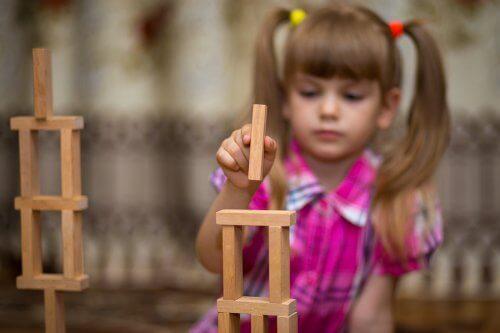 Lesjeux de construction peuvent enseigner de grandes leçons sur l'architecture et l'ingénierie.