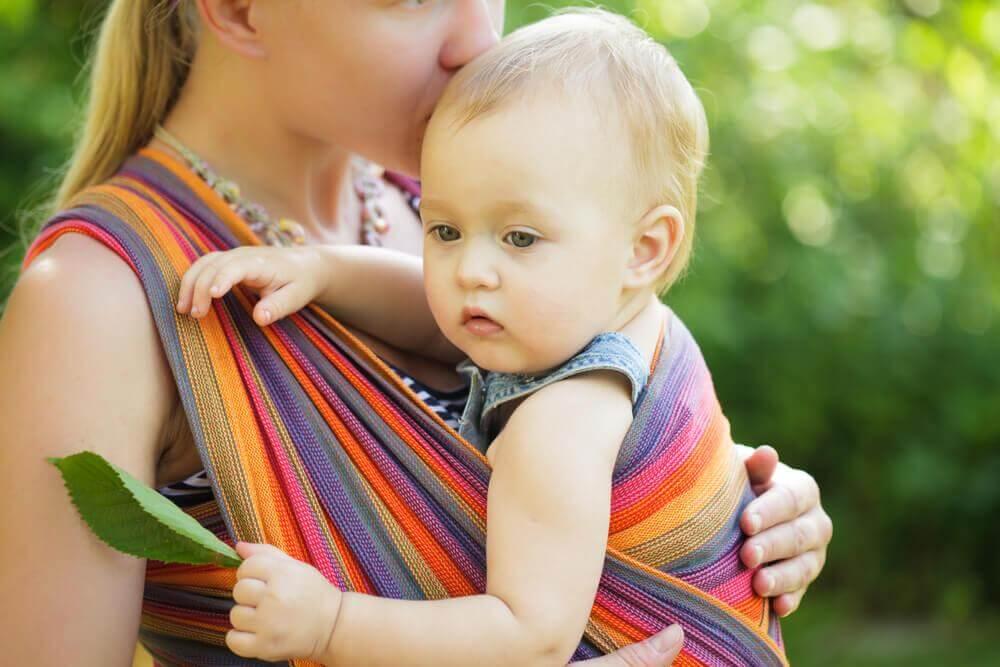 portage en toute sécurité de bébé