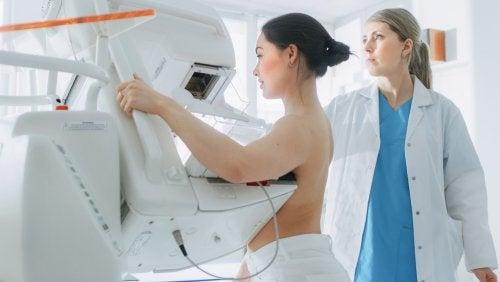 La mammographie est l'un des examens gynécologiques à connaître.