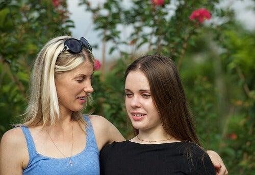 Relation mère-fille : les filles préfèrent-elles parler avec leur mère ?