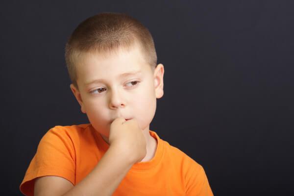 distraire un enfant pour qu'il ne se ronge pas les ongles