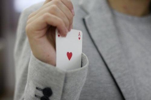 Un grand pourcentage des tours de magie pour enfants fonctionnent bien si l'on se concentre à s'entraîner avant de les effectuer.