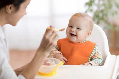 Conseils pour établir une routine d'alimentation du bébé
