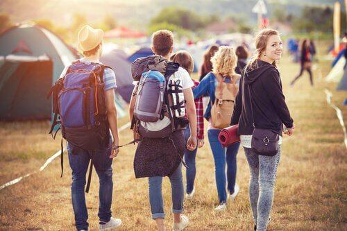 Les camps de vacances pour les adolescents sont d'excellents projets d'été.