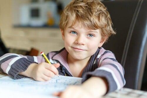 Les enfants qui se comportent mal en classe, que faire ?