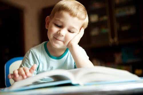 Les bénéfices d'apprendre des poèmes