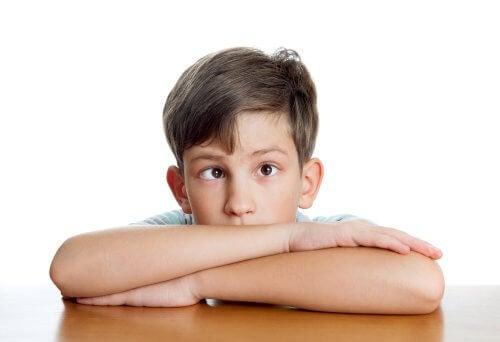 Le strabisme infantile est une anomalie de la vie produit par un manque de synchronisation des yeux.