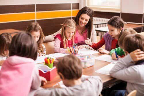 Faire redoubler une classe à un enfant : solution efficace ?
