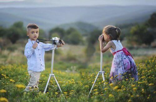 Les cours de photo stimulent l'imagination et, par conséquent, la créativité de l'enfant.