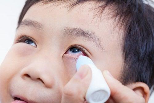 épanchements oculaires