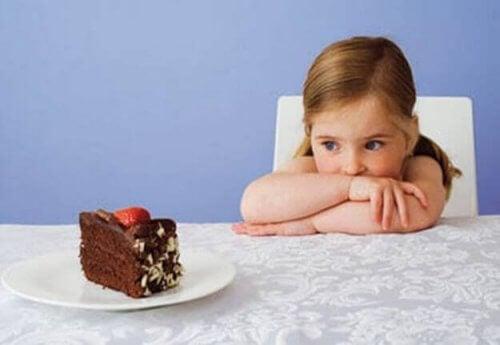 La pyramide alimentaire est un graphique qui détaille de manière simpleles aliments qui doivent être inclus dans l'alimentation ainsi que leur quantité adéquate.