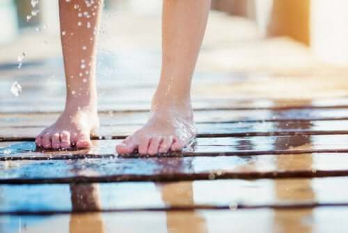 Mon enfant a des mycoses sous les pieds, que faire ?