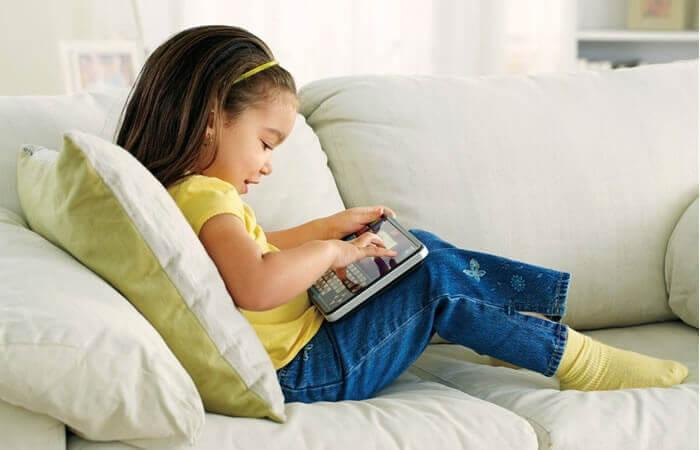 le sédentarisme chez les enfants s'explique entre autres par le temps passé devant des écrans