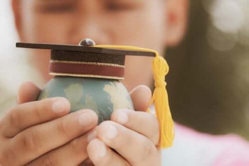 La théorie de l'organisation scolaire et ses caractéristiques