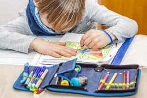 Comment se développe la latéralité chez l'enfant ?