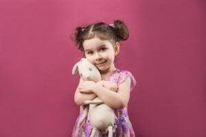 Objets transitionnels : ce jouet-câlin dont l'enfant ne peut se séparer