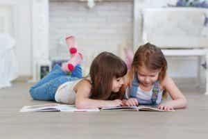 Conseils pour les parents dont les enfants commencent à apprendre à lire