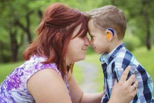 Être la mère d'un enfant sourd