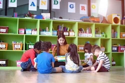 Les avantages des dynamiques de groupe pour travailler en classe
