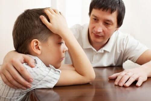 Mon enfant n'est pas heureux, et je dois le soutenir pour l'aider