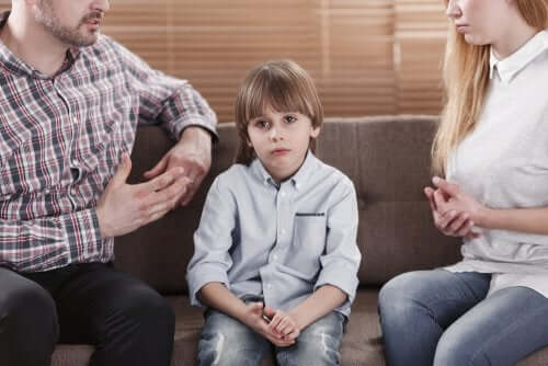 Des parents invalidants avec leur fils