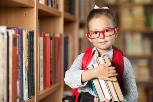 Enfant studieuse