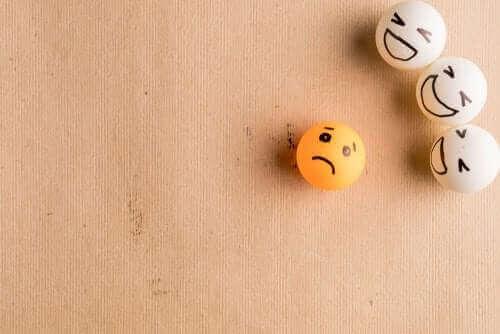 bulliyng illustré par des balles de ping pong