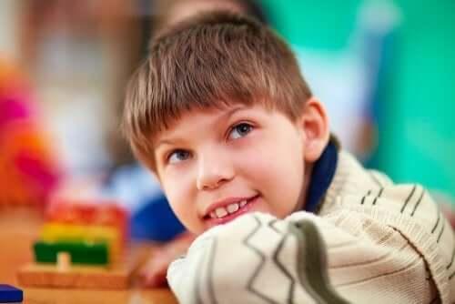 Un enfant souriant