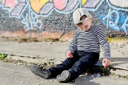 La différence entre enfant timide et enfant introverti