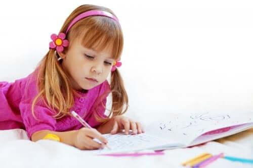 Les bénéfices de l'apprentissage du coloriage chez les enfants