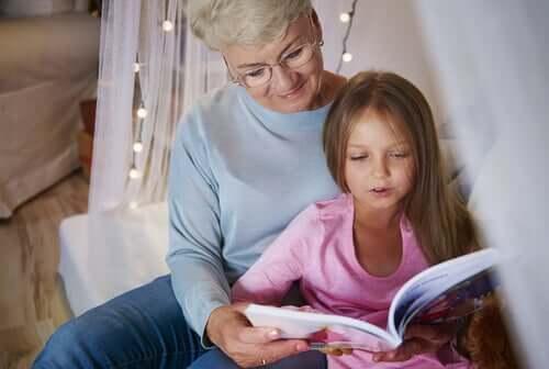lire avec ses grands parents