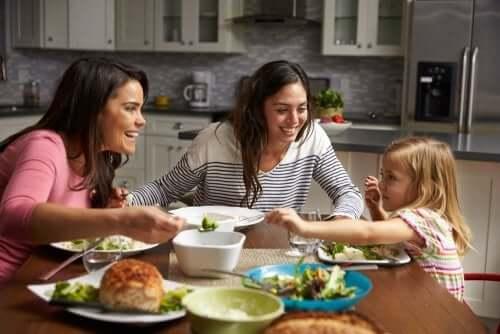 Un climat agréable lors du repas est bon pour aider les enfants à bien manger