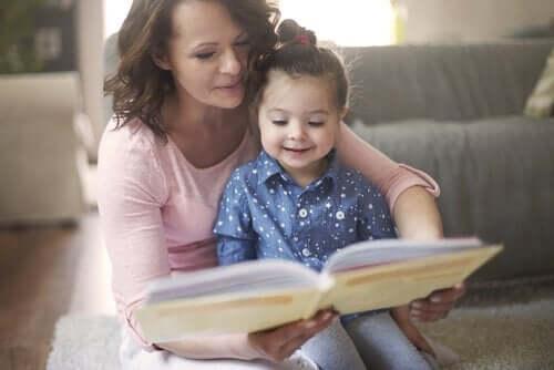 Il est essentiel de familiariser son enfant au conte