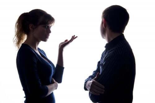 couple qui communique par la parole
