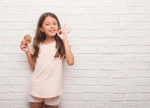 renforcement positif avec un biscuit