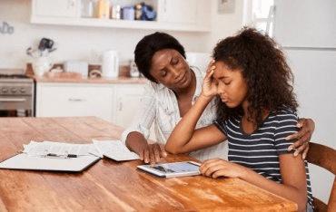 Comment aider les enfants à gérer le stress lié aux devoirs scolaires