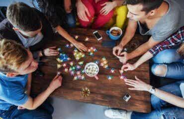 5 jeux de société pour améliorer l'attention