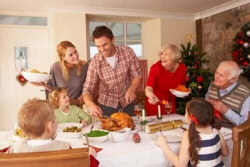 Un repas de Noël en famille.